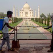 Xa hoa và nghèo đói: hai mặt của đại dịch COVID19 tại Ấn Độ