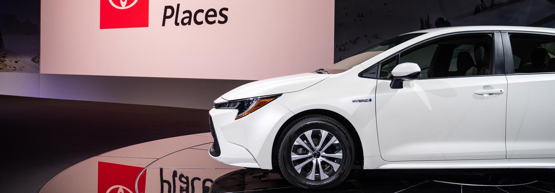 Có nên mua Toyota Corolla Cross phiên bản hybrid?