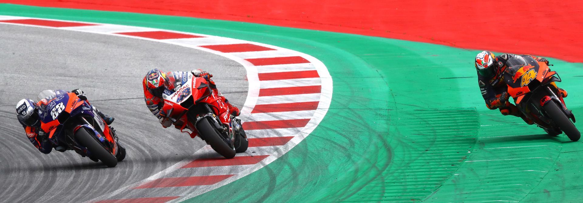 MotoGP 2020: Cờ đỏ lại xuất hiện và chiến thắng đầu tay cho Oliveira