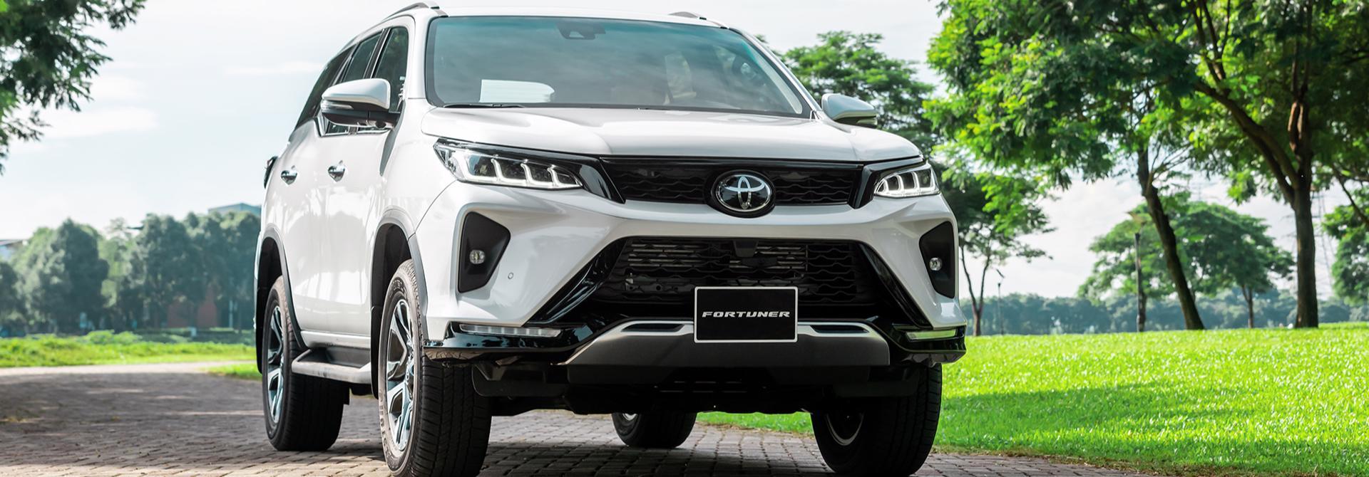 """Mitsubishi Pajero Sport 2020 và Toyota Fortuner 2020: xe nào """"an toàn"""" hơn"""