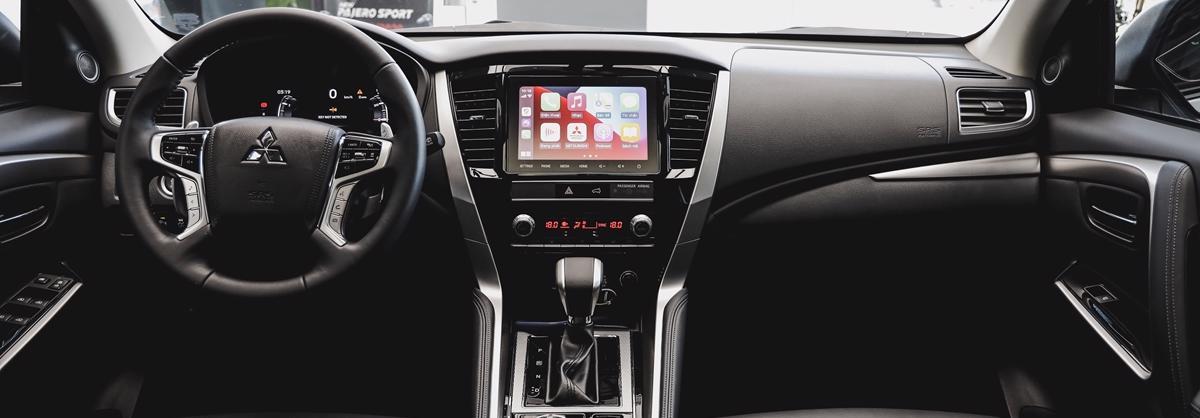 Giá lăn bánh xe ô tô Mitsubishi Pajero Sport 2020