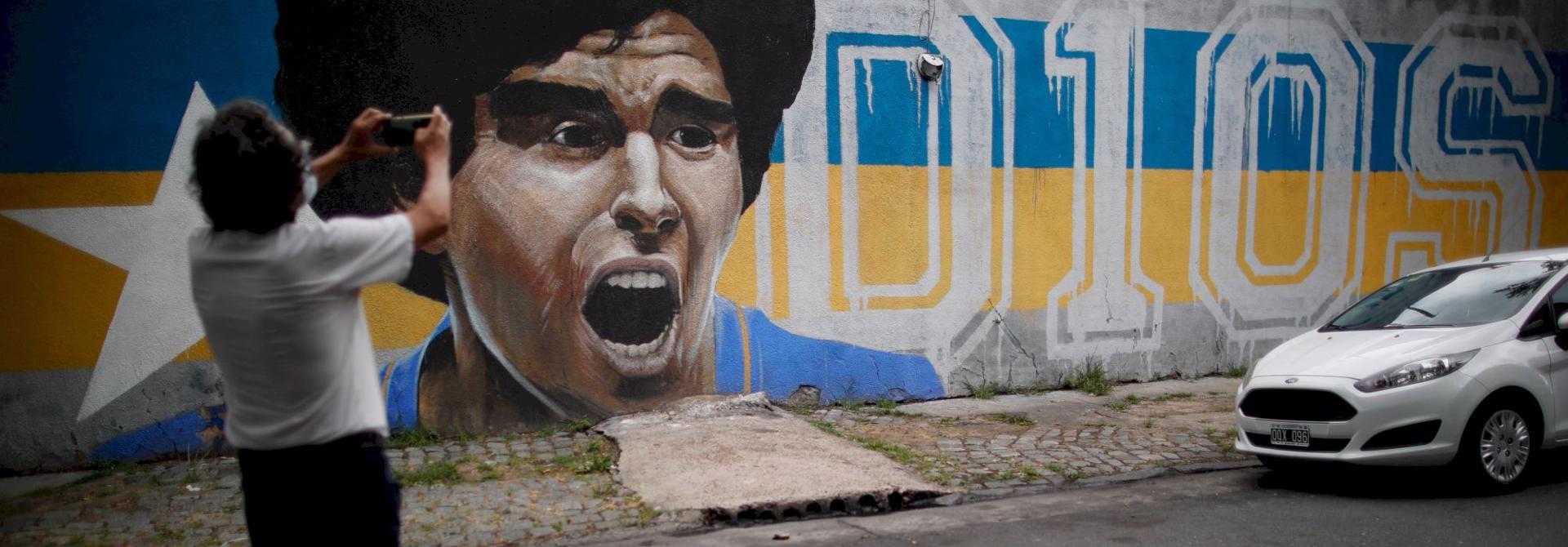 Những chiếc ô tô trong cuộc đời huyền thoại bóng đá Diego Maradona