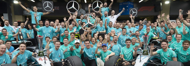 Xe đua F1 2021 của Mercedes lộ diện trước giờ G