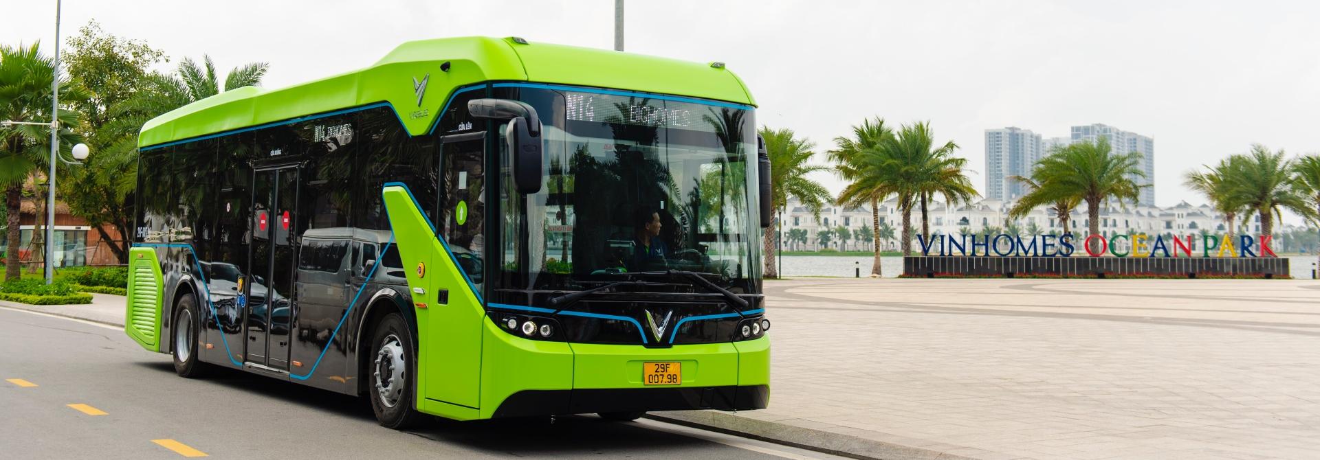 Xe buýt điện VinBus chính thức vận hành tại Hà Nội