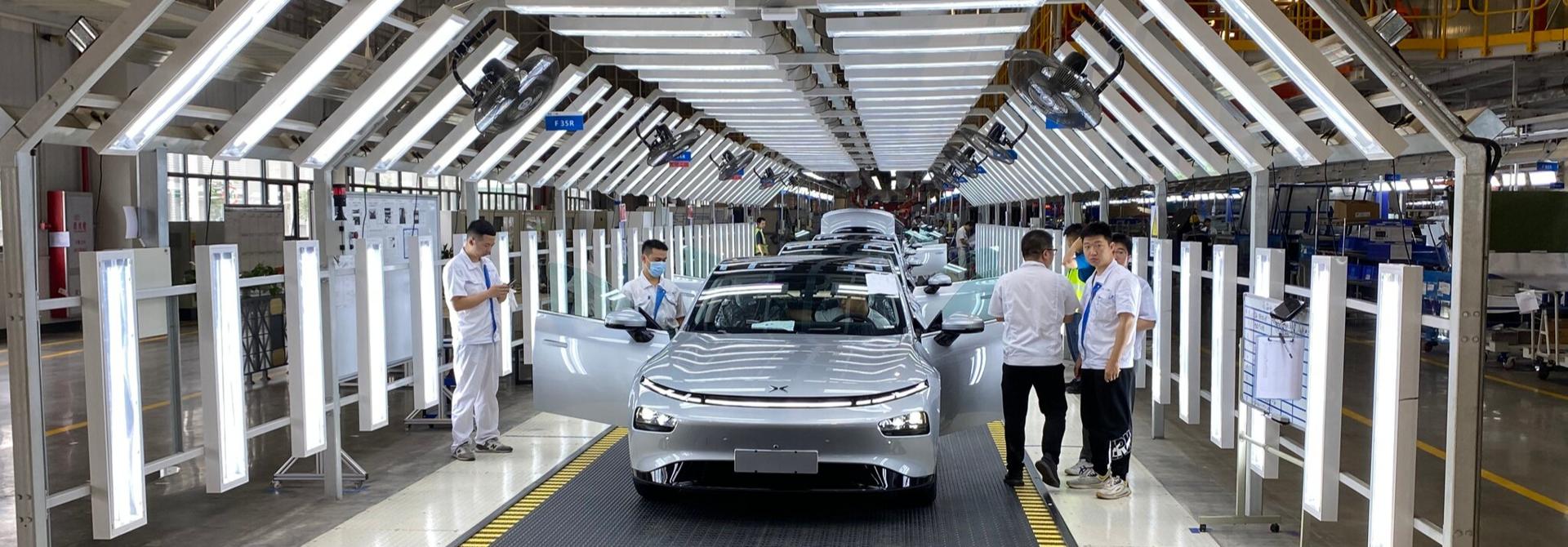 """Trung Quốc đang """"hừng hực khí thế"""" sản xuất ô tô điện"""