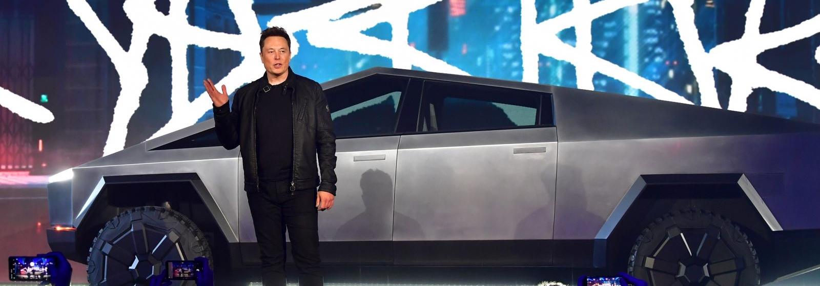 Những CEO giàu nhất thế giới đi xe gì?