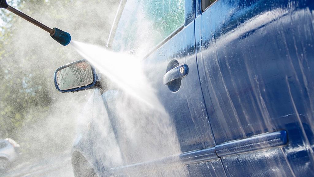 Cần lưu ý gì khi rửa xe áp suất cao?