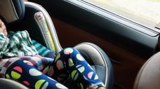 Trẻ em ngồi ghế nào trên ô tô là an toàn nhất?