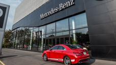 Khách Việt đã mua hơn 40.000 xe sang Mercedes