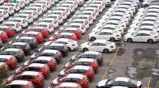 Ô tô nhập khẩu về Việt Nam tăng hơn 100%