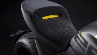 Ducati Diavel 1260 S 2022: Màu đẹp, nhiều trang bị hấp dẫn - Ảnh 11
