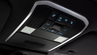 Toyota Land Cruiser 2022 mới chính thức ra mắt: Thay đổi thiết kế, giảm trọng lượng, động cơ mới - Ảnh 10