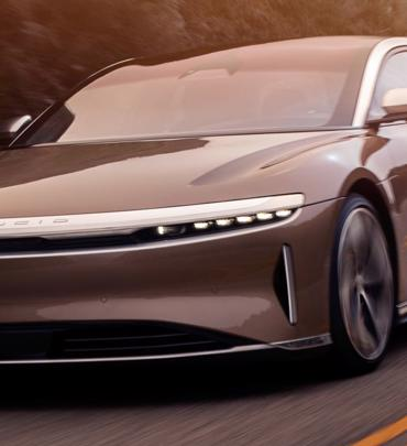 Lucid Air vượt mặt Tesla Model S về phạm vi sử dụng