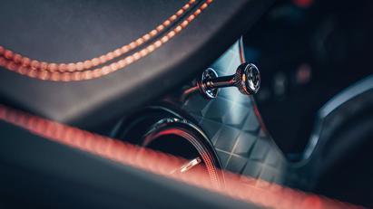 Lộ diện phiên bản Bentley Bentayga S - Ảnh 9