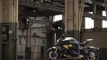 Ducati Diavel 1260 S 2022: Màu đẹp, nhiều trang bị hấp dẫn - Ảnh 3