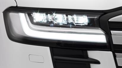 Toyota Land Cruiser 2022 mới chính thức ra mắt: Thay đổi thiết kế, giảm trọng lượng, động cơ mới - Ảnh 6