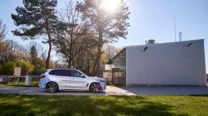 BMW i Hydrogen Next chạy pin hydro lộ diện trên đường - Ảnh 9