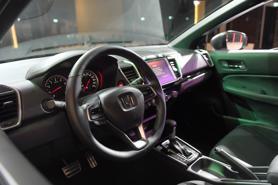Những mẫu xe gây sốt thị trường ô tô Việt cuối năm