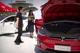 Doanh số xe điện tăng mạnh tại Trung Quốc