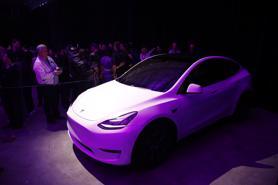 """Ô tô Trung Quốc đe dọa """"vua xe điện"""" Tesla"""