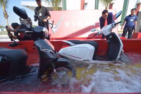 Xe máy điện VinFast đạt chuẩn chống nước, chống bụi gì?