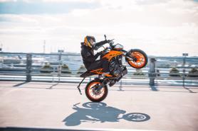 KTM Duke 200 2021 ra mắt tại Malaysia, giá 72 triệu