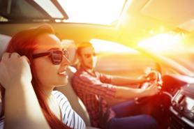 Những thứ nên có trong ô tô vào mùa hè