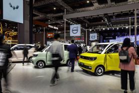 Nhiều xe giảm giá, thị trường ô tô Việt tiếp tục trầm lắng