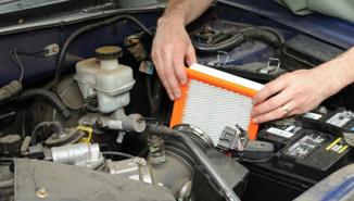 Cách tự làm sạch bộ lọc không khí của ô tô
