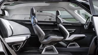 Porsche tung thiết kế nội thất mẫu xe van điện Vision Renndienst tương lai