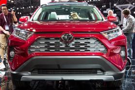 Toyota âm thầm vận động để Mỹ chậm áp dụng chính sách xe điện