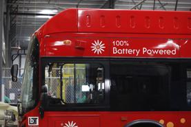 Mỹ tập trung điện khí hóa đội xe buýt nhằm giảm khí thải giao thông