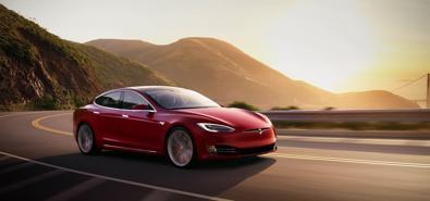 Mỹ điều tra sự cố trên 115.000 xe Tesla