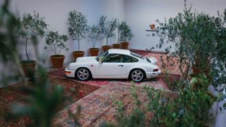 Porsche 964 phục chế và độ Aimé Leon Dore