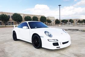Chiếc Porsche 911 độc đáo với ghế lái ở giữa