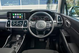 Nóng trong tuần: VinFast President ra mắt, thị trường ô tô tiếp đà sụt giảm