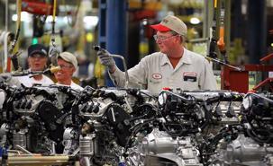 """Các nước hỗ trợ ngành công nghiệp ô tô thế nào trong """"bão COVID-19""""?"""