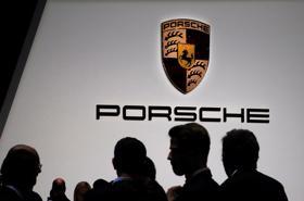 Người giàu Hàn Quốc đổ xô mua xe sang Porsche, BMW trong đại dịch
