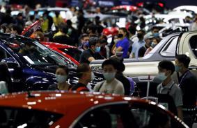 Vướng cô hồn và COVID-19, thị trường ô tô sụt giảm mạnh
