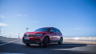 Volkswagen ưu đãi đến 177 triệu đồng cho Tiguan Allspace và Passat