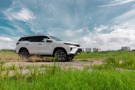 Nóng trong tuần: Xe mới liên tiếp ra mắt!