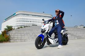Xe máy điện YADEA X5 chính thức mở bán