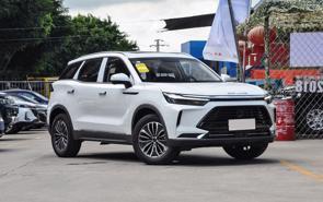Thấy gì từ làn sóng xe Trung Quốc trên thị trường ô tô Việt Nam?