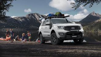 Vừa bán ra vài tháng, Ford Everest đã giảm tới 100 triệu đồng