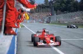 """Đấu giá xe đua của huyền thoại F1 Michael Schumacher: """"chốt"""" 6,6 triệu USD"""