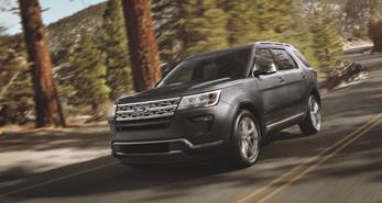 SUV cao cấp Ford Explorer giảm giá sâu