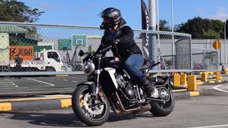 Honda CB1000R mới giá 468 triệu đồng