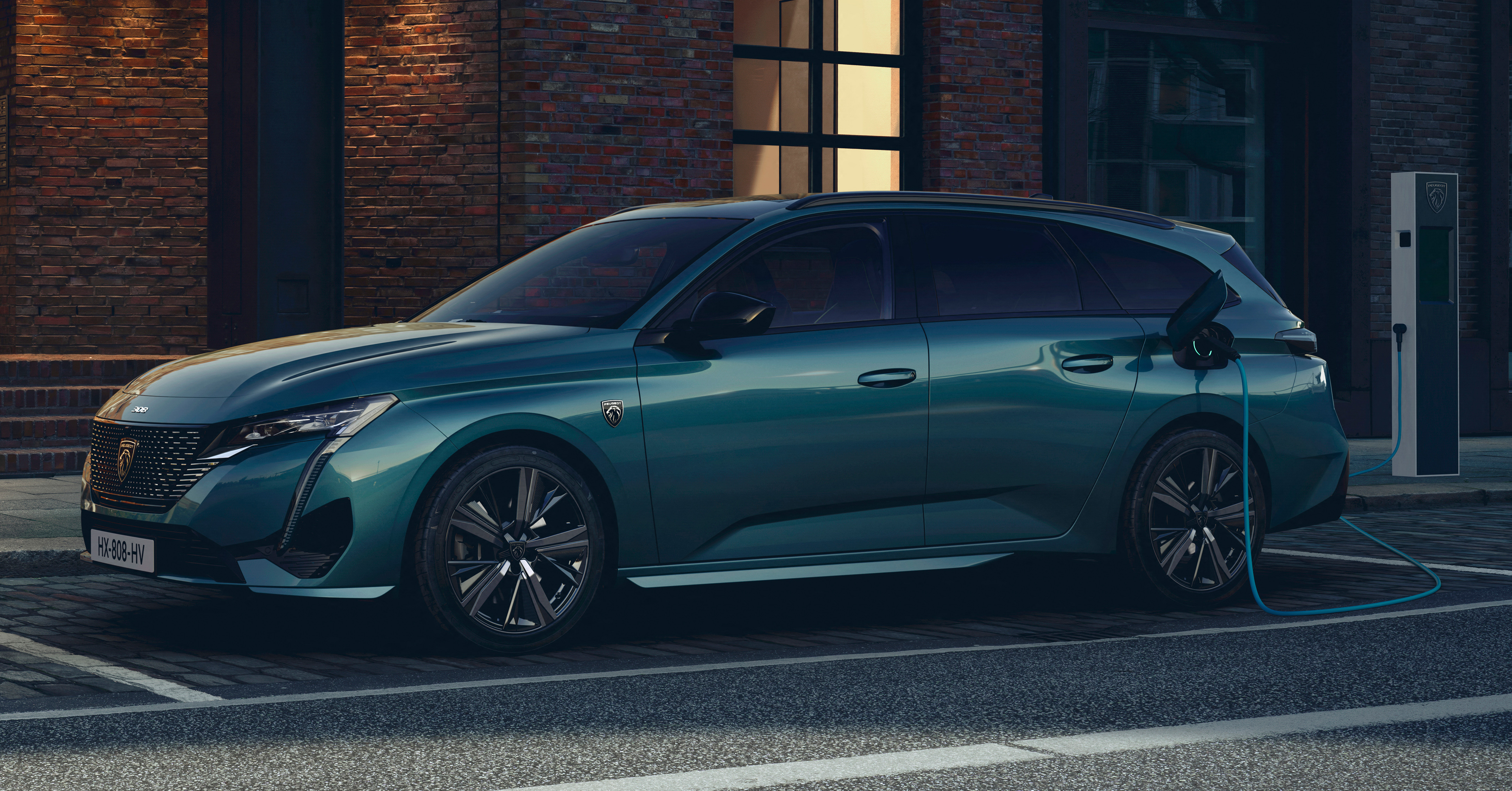 Peugeot 308 SW 2022 ra mắt: Trục cơ sở dài hơn, khoang hành lý 608 lít - Ảnh 1