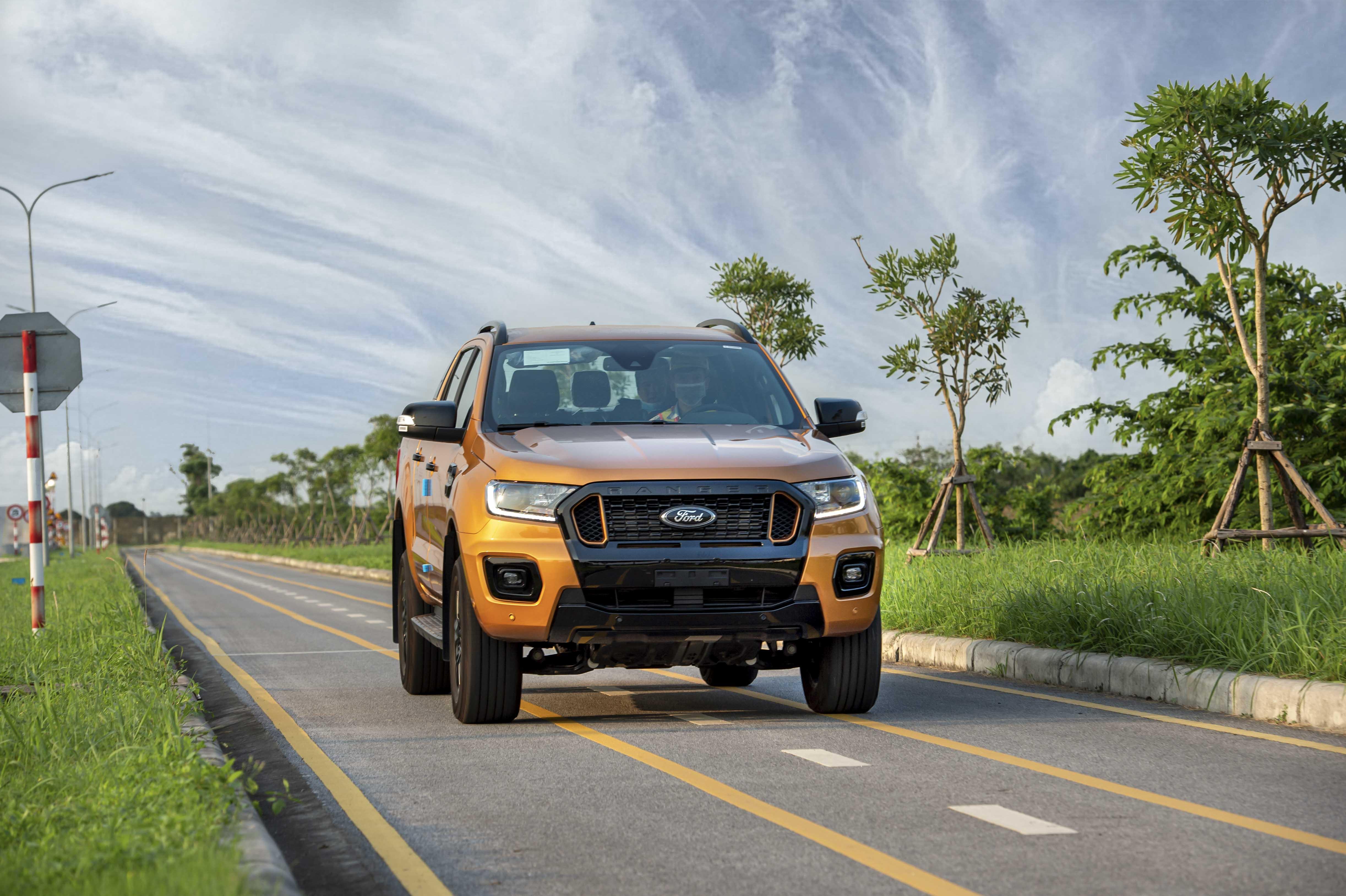 Ford Ranger Việt Nam chính thức xuất xưởng từ nhà máy Ford Hải Dương vào sáng nay (15/7), áp dụng quy trình lắp ráp toàn cầu của Ford Motor.