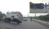 Hà Nội: Vượt vội, ô tô bất ngờ đâm vào vỉa hè lật nghiêng giữa đường